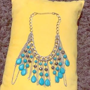 Jewelry - Turquoise/silver necklace